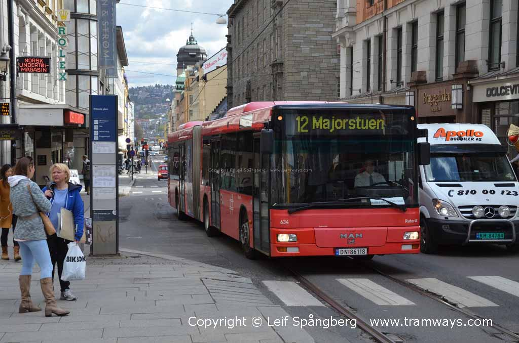 Helt nye Prinsens gate, Oslo, Norway. Buses in Oslo, 2013. A photo FR-73
